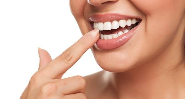 Perché i denti si spostano