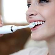 Come usare lo spazzolino elettrico