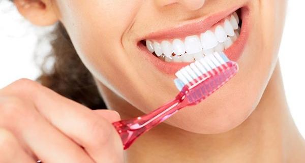 Lavare i denti fuori casa