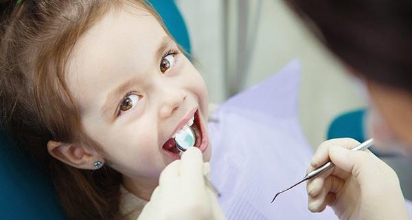 Estrazione dente da latte